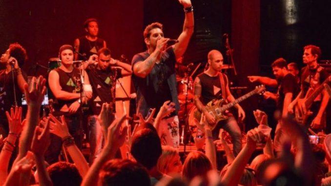 Felipe Pezzoni é vocalista da Banda Eva desde 2013 e entrega novidades para o grupo em 2019! Foto: Divulgação