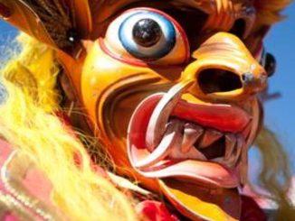Agora no início do mês de fevereiro celebra-se o Festival da Virgem da Candelária, em Puno, no qual participam milhares de dançarinos