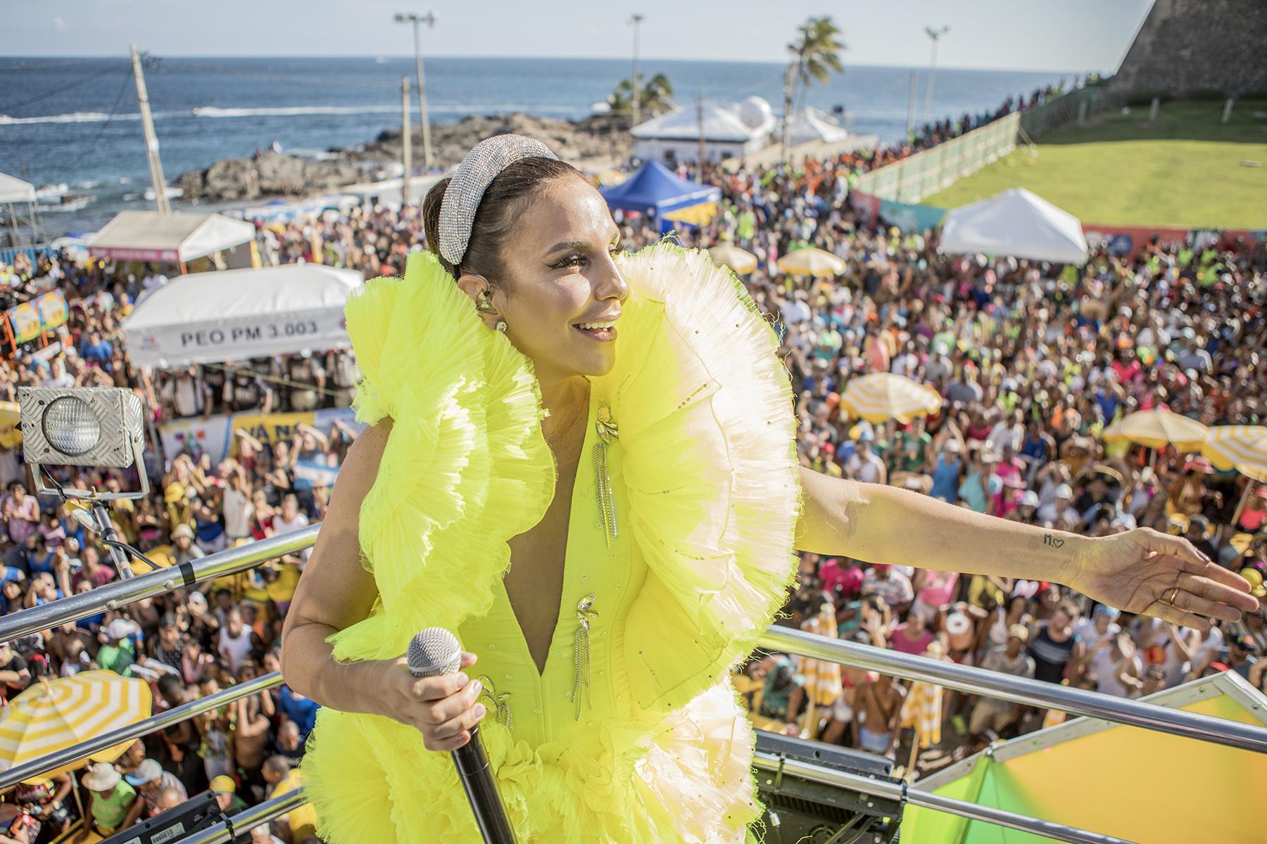 Ivete Sangalo em seu primeiro dia de Carnaval em Salvador Fotos: Rafa Mattei e Rubens Cerqueira
